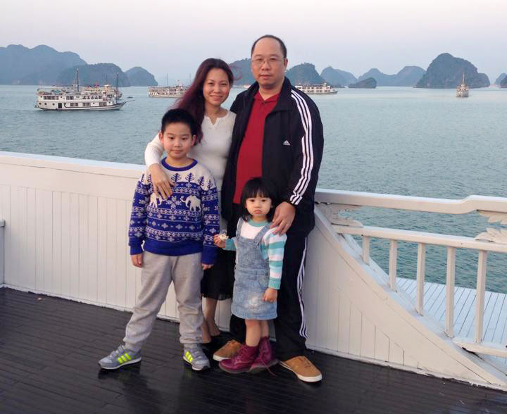 Their happy family at Halong Bay