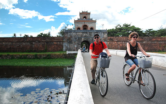Full Day Biking Tour To Three Tombs