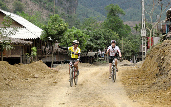 Full Day Cyling Tour To Hill Tribe With Lunch