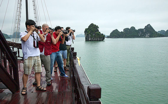 Halong Amazing Photo Shoot On Private Cruise